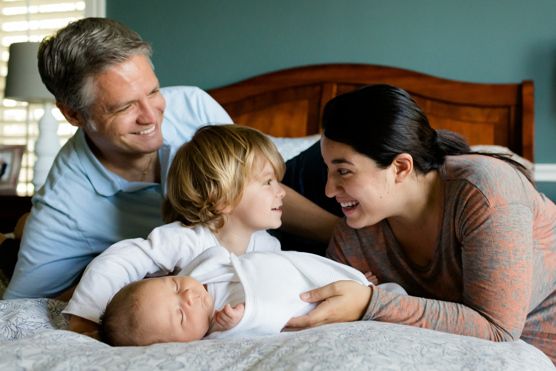 4 Ways to Improve Your Parenting Skills Today